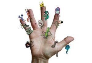 микробы на руке