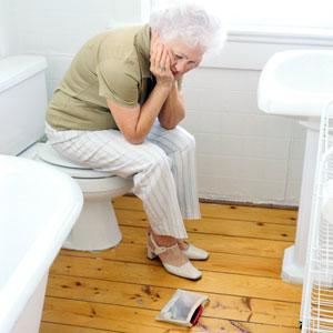 бабушка в туалете
