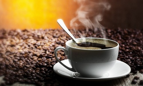 чашка с горячим напитком